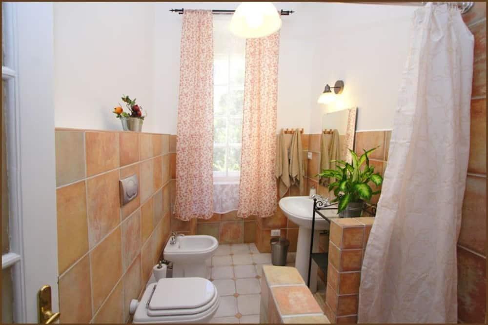 ダブルまたはツインルーム 禁煙 共用バスルーム (Tulipano) - バスルーム