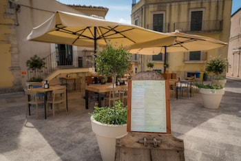 Enter your dates to get the Ragusa hotel deal