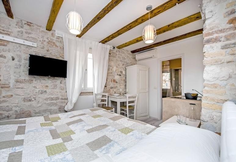Apartment and Studio CA 3 VIE, Rovinj, Studio (Olivi), Chambre