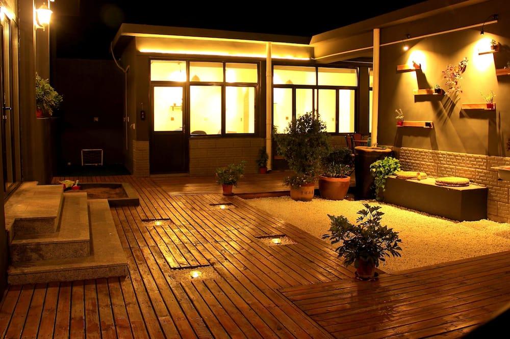 Elite Bungalow, 5 Bedrooms - Courtyard View