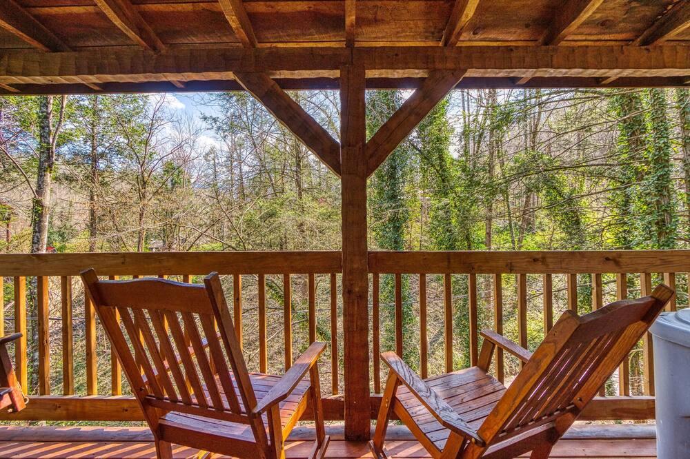 Cabin, 1 King Bed, Hot Tub - Balcony