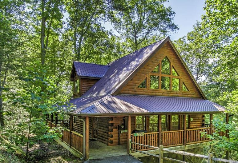 Shamrock Lodge 215 - Two Bedroom Cabin, Sevierville