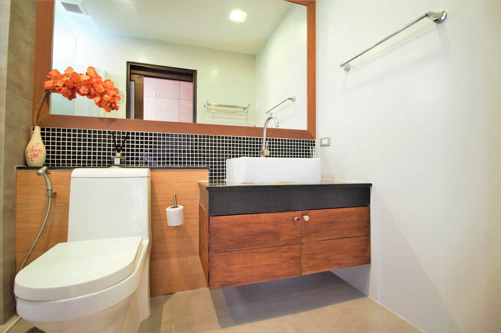 Design Apartment, 1 King Bed, Balcony, Sea View - Bathroom