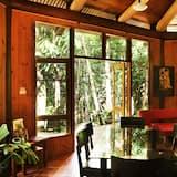 Casa Panorâmica, 2 camas queen-size, Vista Rio, Junto à Montanha - Refeições no Quarto