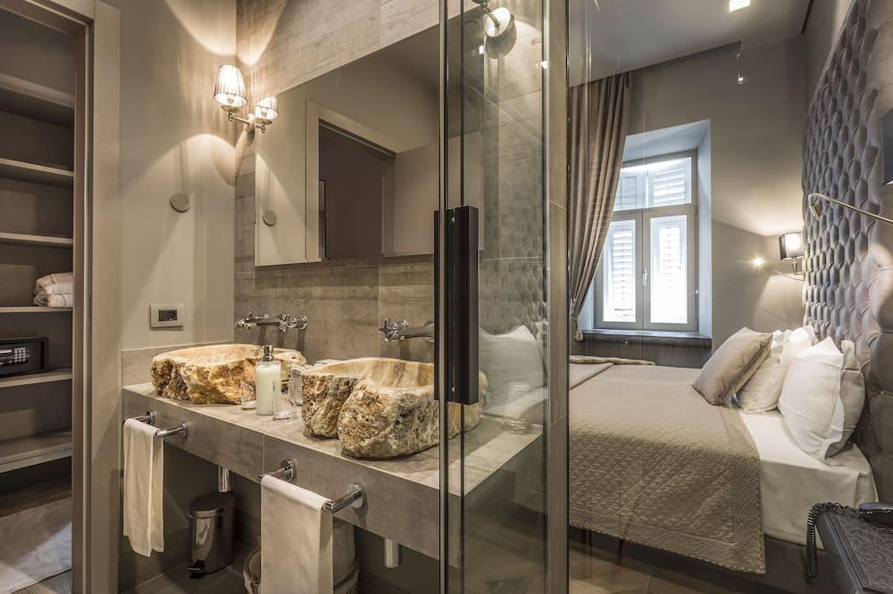 Luxury Suite, Annex Building - Bathroom