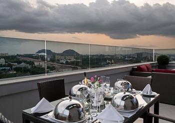 תמונה של The Envoy Hotel באבוג'ה