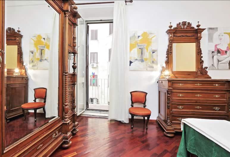 Cozy one Bedroom Halldis Apartment With Balcony, Rome, Oda