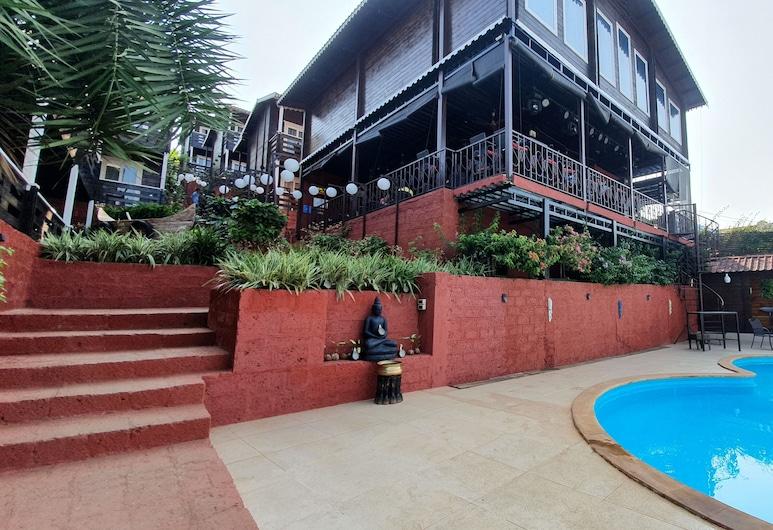 The Regalia Luxury Resort, Morjim