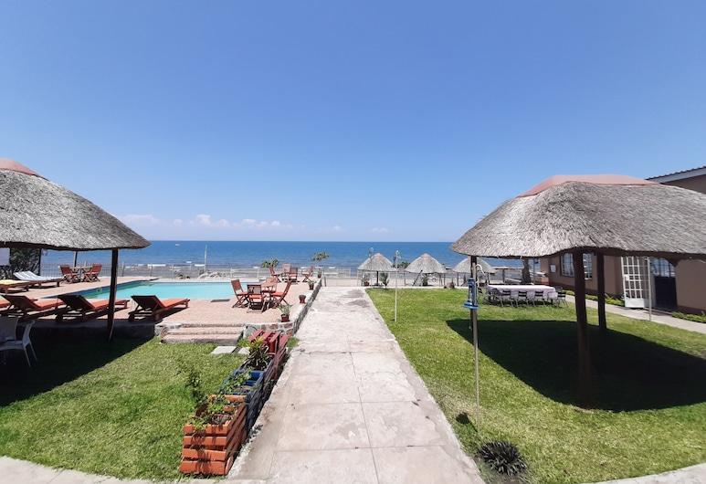 Lakeside Hotel, Senga, Fassaad