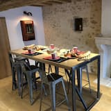 Comfort Double Room (L'Epinay) - Living Room