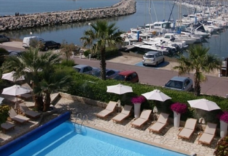 Hôtel Azur Bord de Mer, La Grande-Motte, Udendørs pool