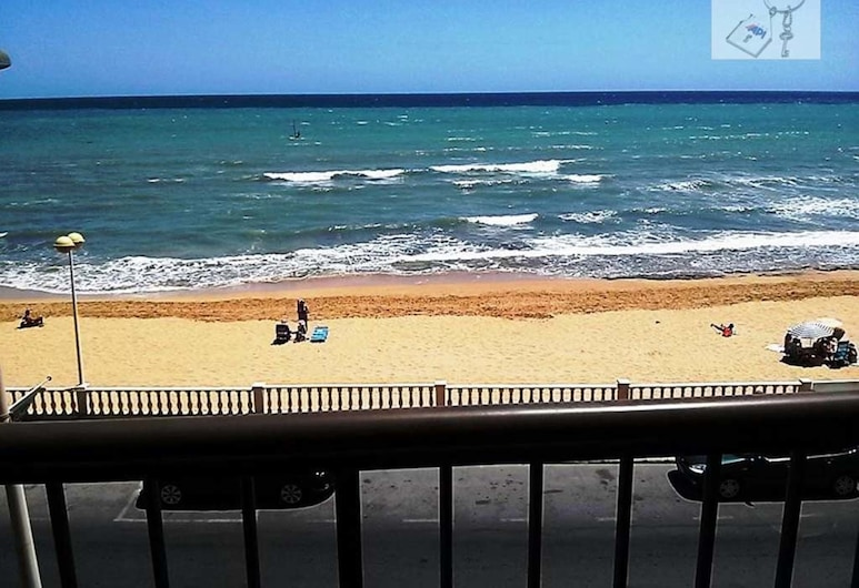 2 Bedrooms Beaches View Apartment, Torrevieja