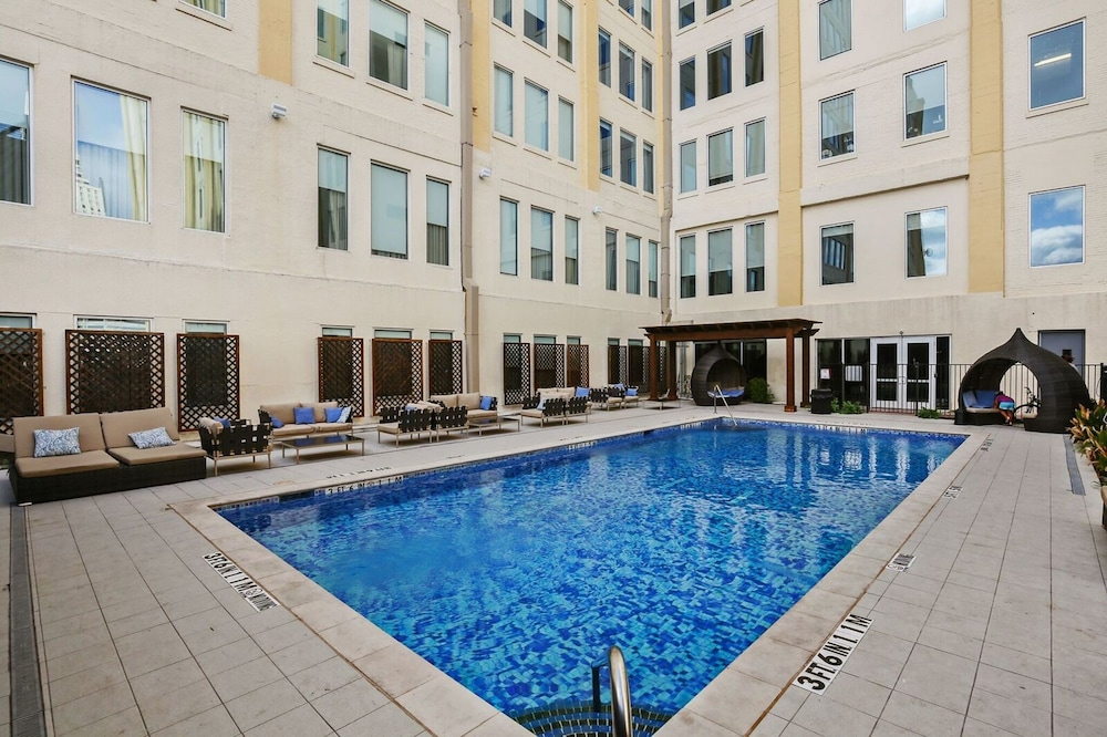 book downtown dallas apartments by hosteeva in dallas hotels com