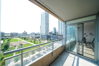 Picture of Spacious 2 Br condo by CN Tower in Toronto