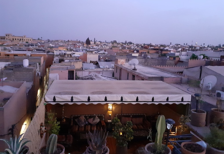 Riad Simon, Marrakech, Pokój dwuosobowy typu Deluxe, Łóżko queen, dla niepalących, Taras/patio