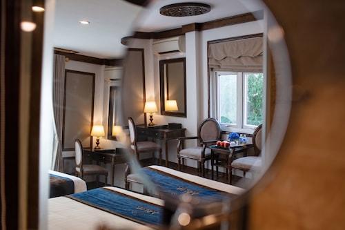 โรงแรมเอลิซาแอนด์สปา/