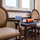 ห้องทริปเปิล (Suite, Private Balcony) - ห้องนั่งเล่น
