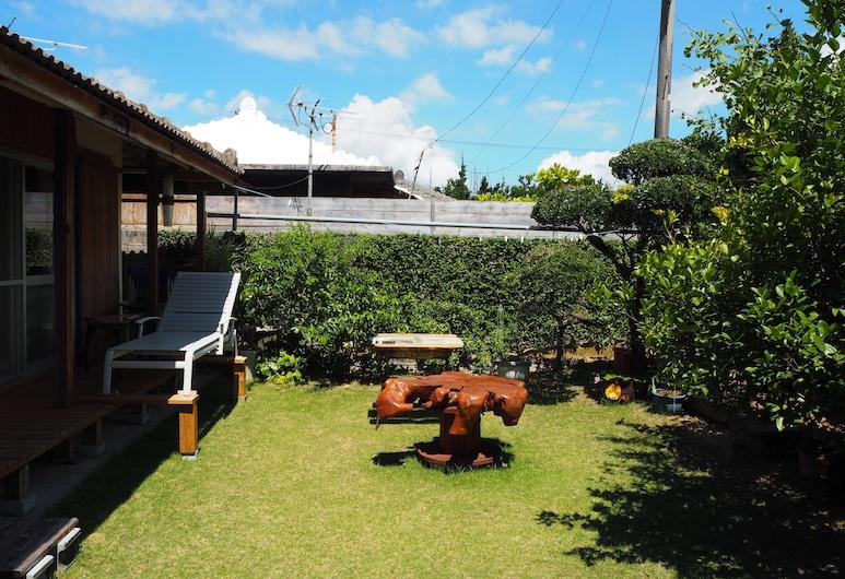Traditional Oki-House Adan, Nakijin, שטחי הנכס