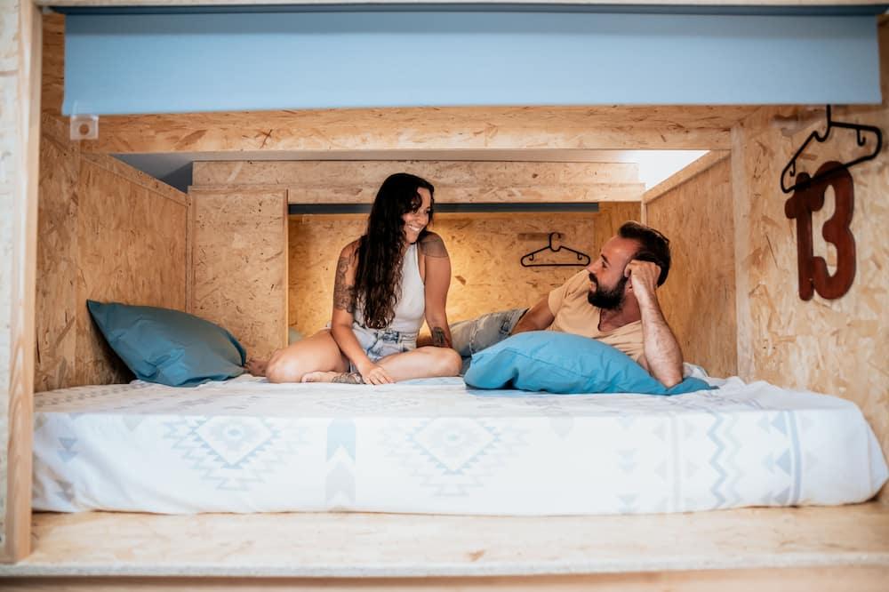 Улучшенный люкс, Несколько кроватей, смежные ванная комната и спальня, вид на город - Вид на город