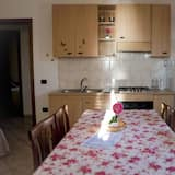 Apartment, 1 Bedroom, Patio, Partial Sea View - Living Room