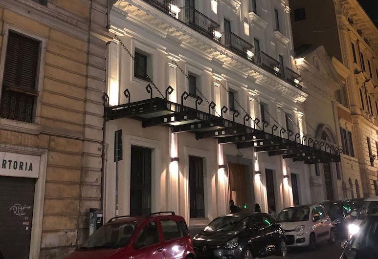 Green 152 - Luxury Apartments Rome, Rome, Front of property – evening