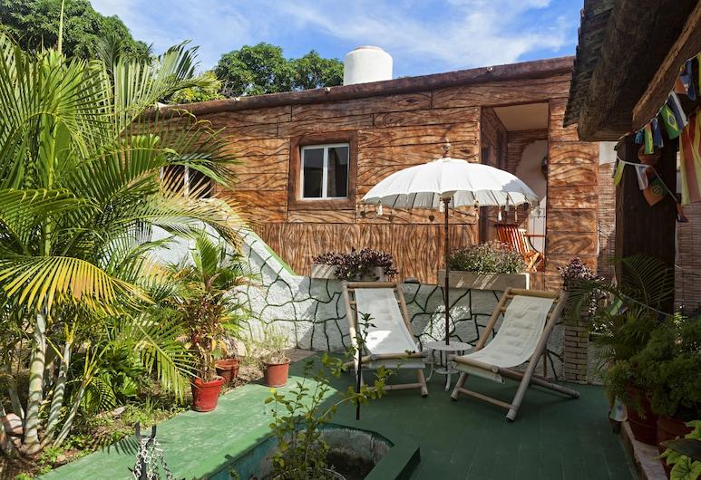 Hostal Doña Cristina de Anita y Manel, Trinidad, Chambre Quadruple Supérieure, 2 lits doubles, non-fumeurs, salle de bains attenante, Terrasse/Patio