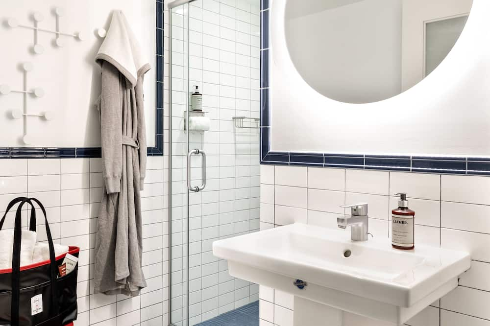 Room, 1 Katil Raja (King) - Bilik mandi