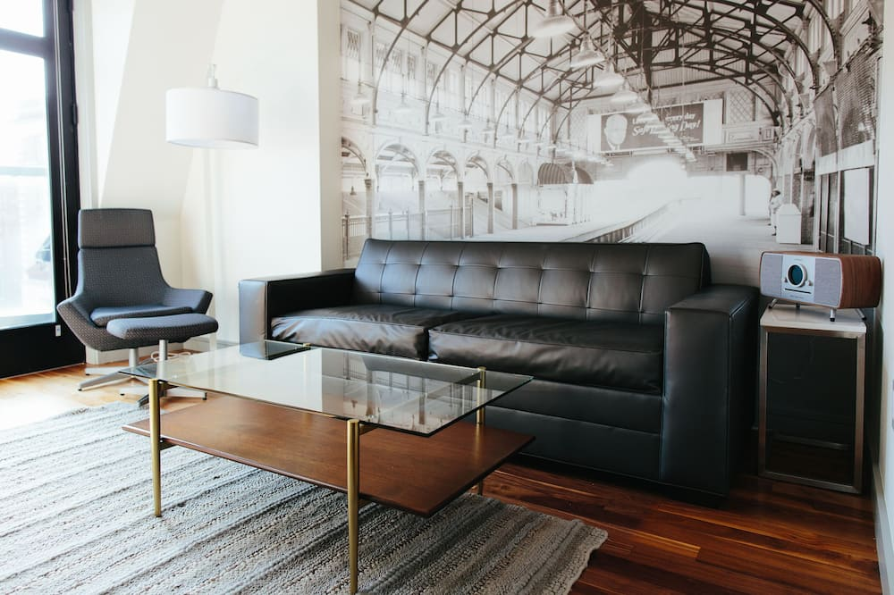 Suite, 1 Bedroom - Bilik Tamu