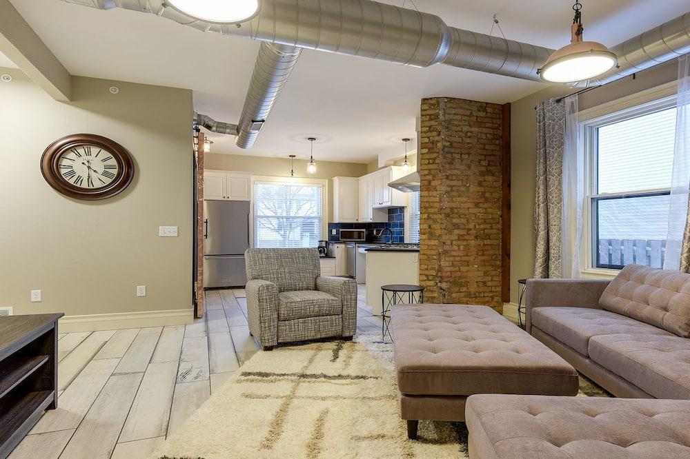 Apartament, 2 sypialnie, kuchnia - Pokój