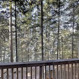 Cabin, 3 Bedrooms, Kitchen, Lake View - Balcony