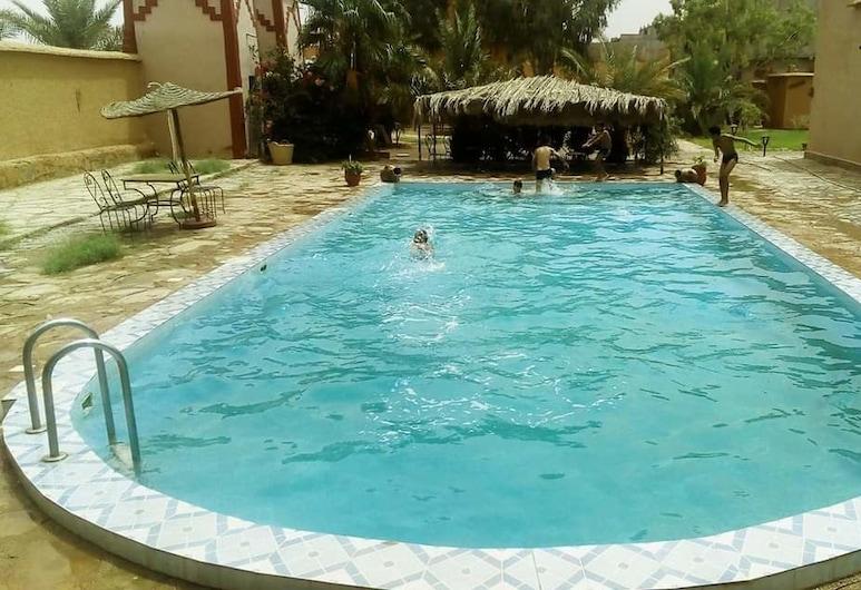 Auberge Ouadjou, Nekob, Vanjski bazen