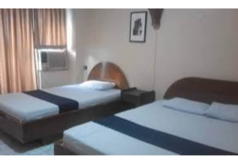OYO 672 Capitol Tourist Inn, Cebu, Suite – family, Gjesterom