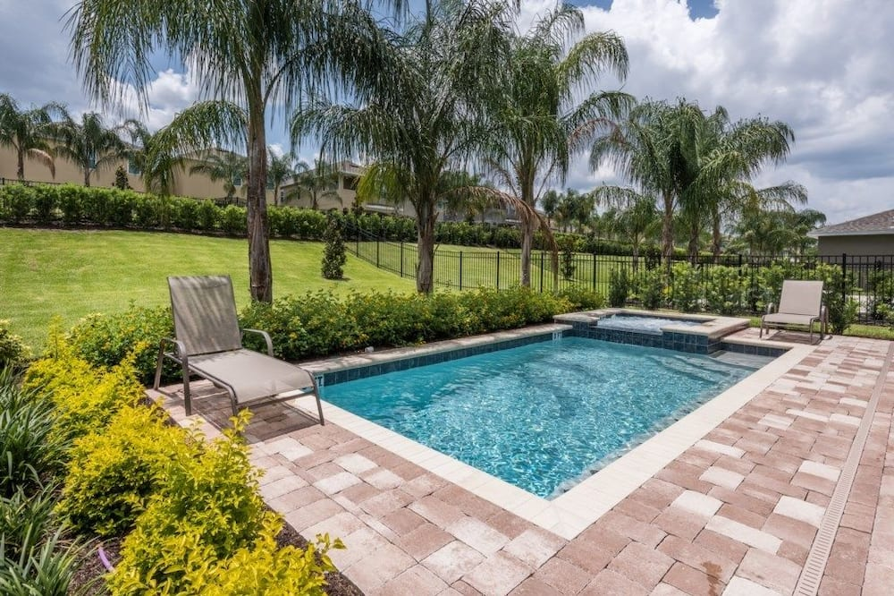 Family Villa, Multiple Bedrooms, Garden Area - Pool