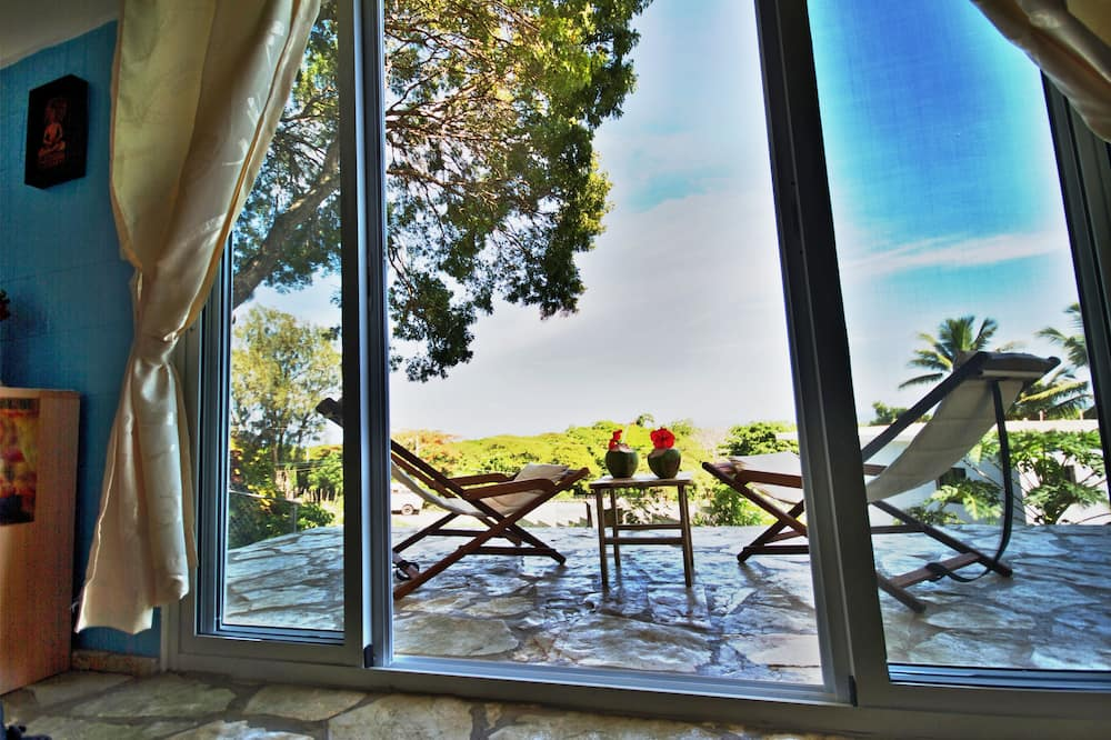 Панорамний номер, 1 ліжко «квін-сайз» та розкладний диван, для курців, з видом на океан - Балкон