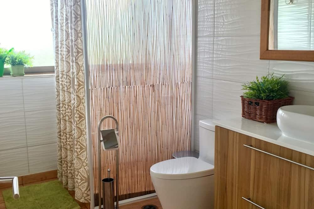 Panoramic Bungalow, 1 Queen Bed, Kitchen, Sea View - Bathroom