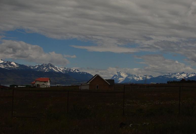 Appelgren House, Natales, Property Grounds