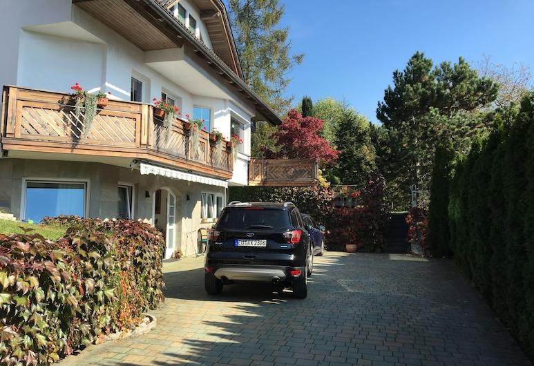Rudi Hiti Guest House , เบลด