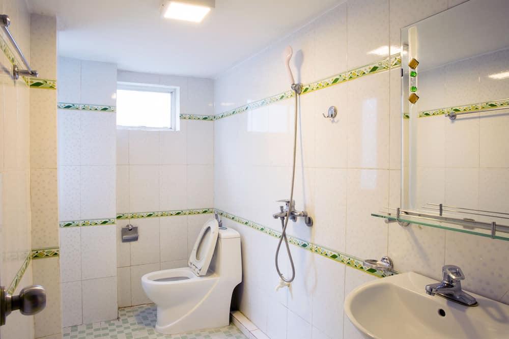 Deluxe Double Room, Balcony - Bathroom