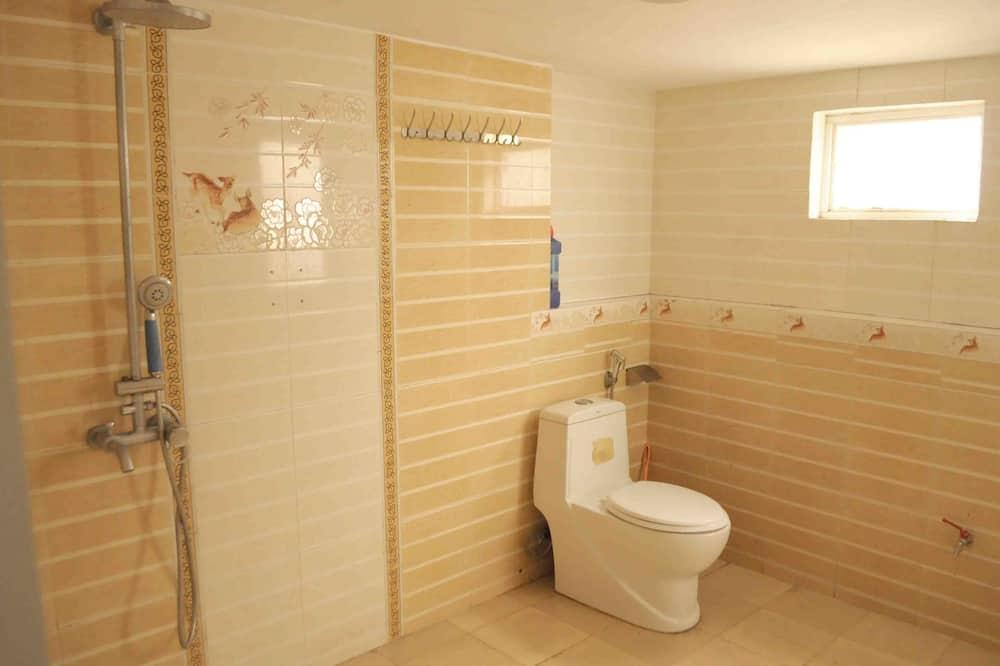 Comfort Shared Dormitory, Mixed Dorm, Non Smoking, City View - Bathroom