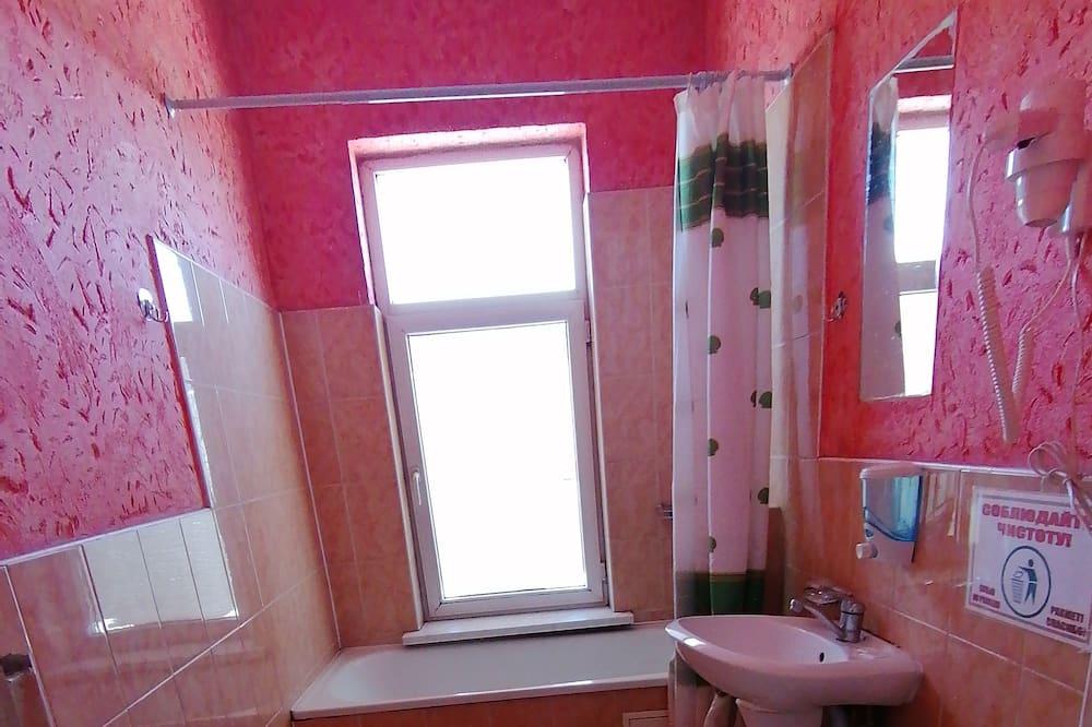 Chambre Triple Familiale - Salle de bain