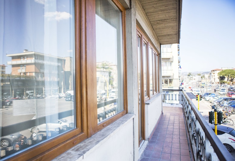Art Apartment Belfiore, Florence, Family Apartment, 2 Bedrooms, Balcony, Terrace/Patio