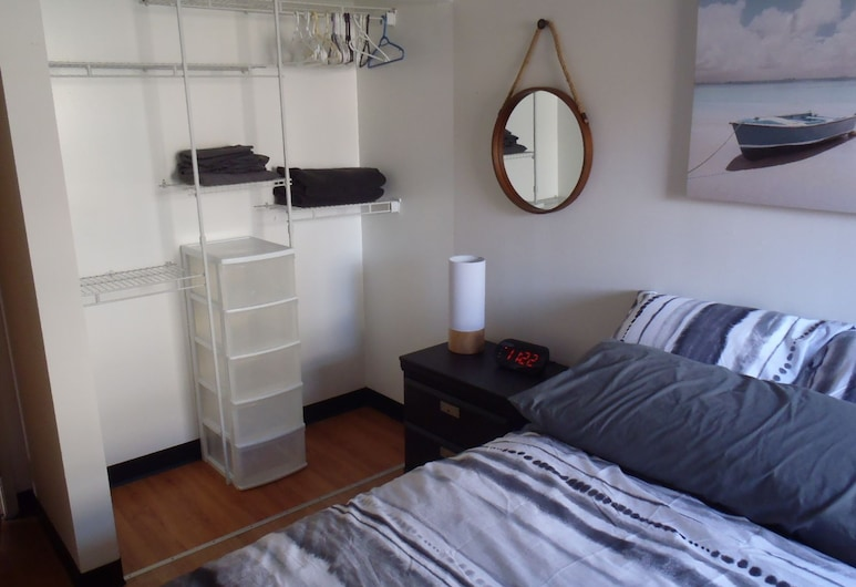 Northern Accommodations, Iqaluit, Apartment, 3 Bedrooms, Non Smoking, Bay View, Room