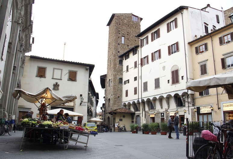 Art Apartment Central Medieval Tower, Florence, Front of property