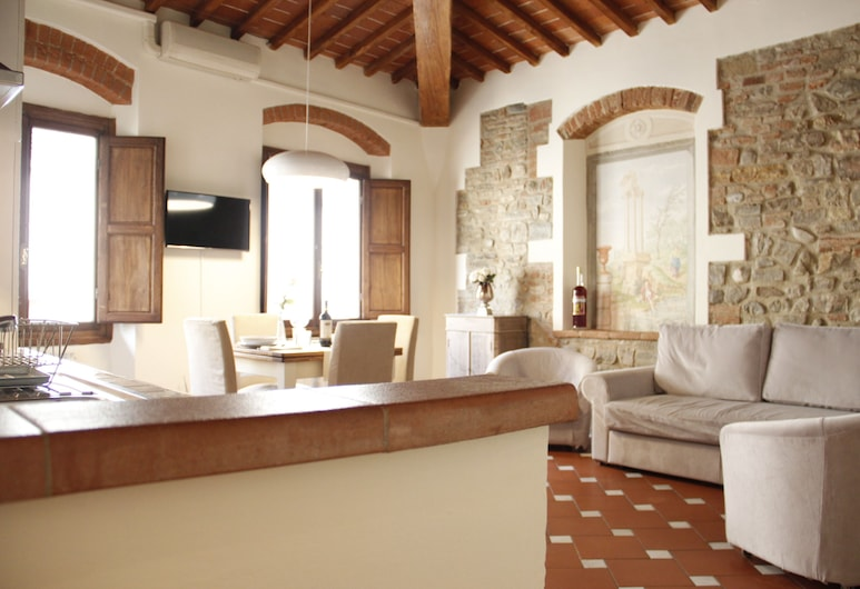 Art Apartment dell'Albero, Florence, Apartment, 1 Bedroom, Living Area