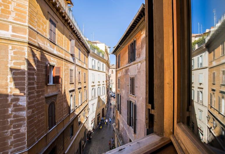Rome as you feel - Pantheon Pastini, Рим, Апартаменты, 2 спальни, Вид из номера