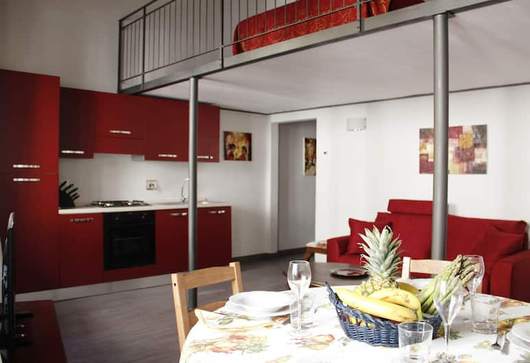 Art Apartment Santo Spirito Matteo, Florence, Apartment, 1 Bedroom, Living Area