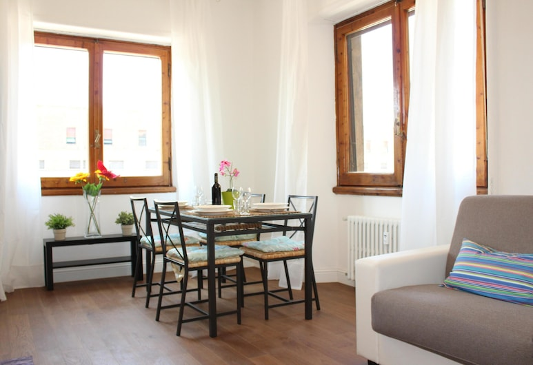 Art Apartment Stazione A, Florence, Apartment, 2 Bedrooms, Living Area