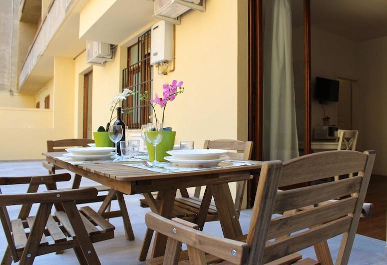 Art Apartment Stazione C, Florence, Terrace/Patio