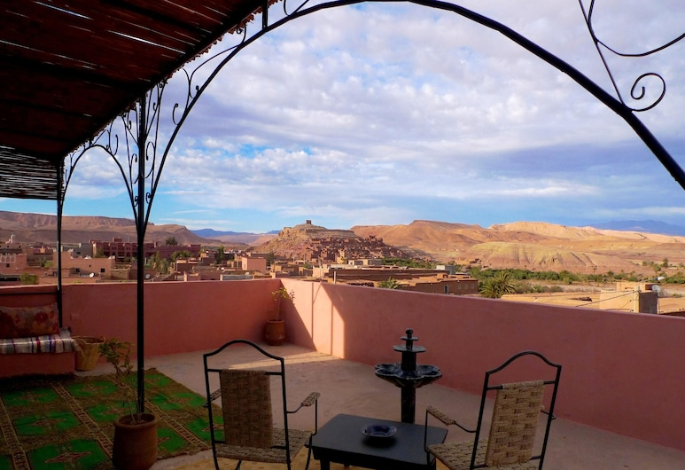 House With 5 Bedrooms in Aït Ben Haddou, With Wonderful Mountain View, Furnished Garden and Wifi - 300 km From the Slopes, Ait Benhaddou, Terrasse/veranda
