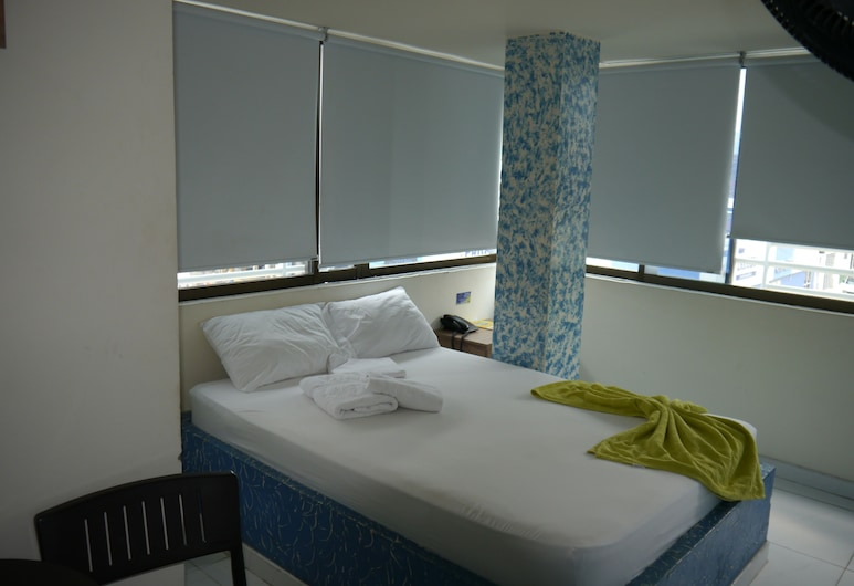 Grand Amadeus Hotel, Cartago, Standard Double Room, Non Smoking, Guest Room
